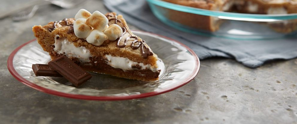 PHOTO: Smores blondie pie is a fun twist on the classic campfire treat.