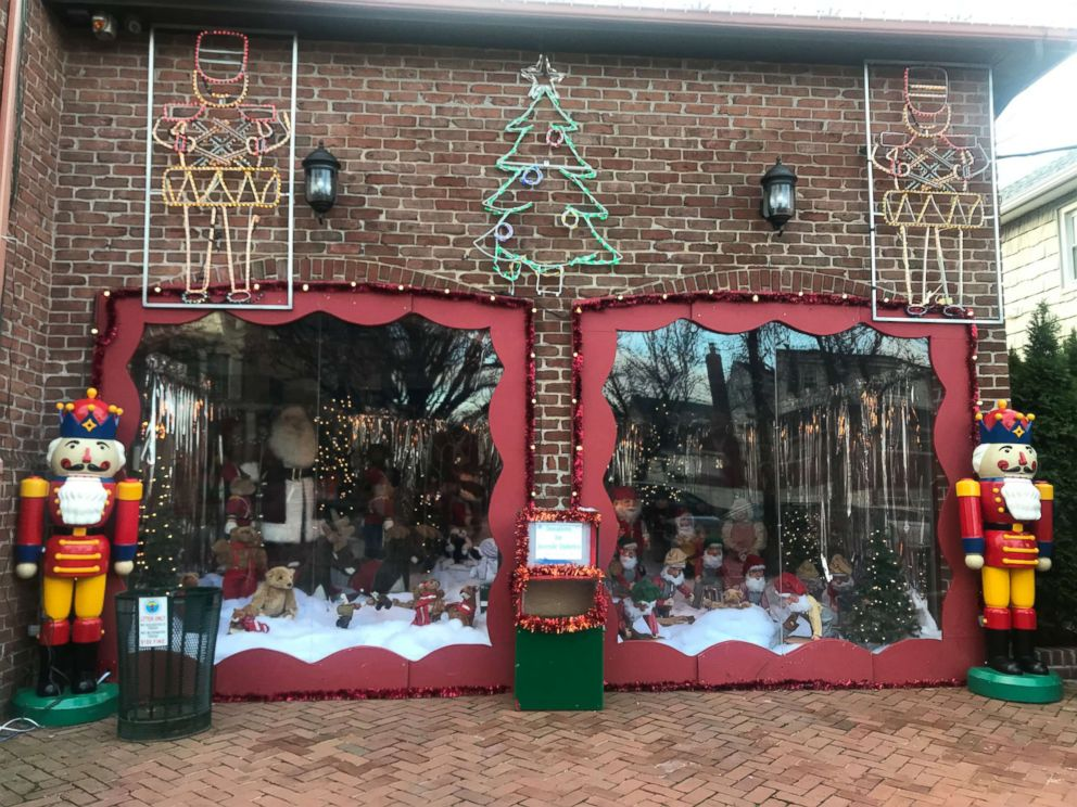 PHOTO: The Mure familys elaborate Christmas display at their Rockaway Beach, New York home.