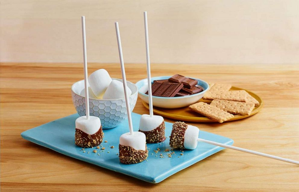 PHOTO: S'mores lollipops are an easy way to reimagine the campfire treat.