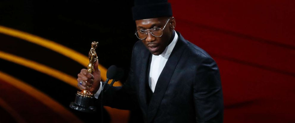 """PHOTO: Mahershala Ali accepts the best supporting actor award for his role in """"Green Book,"""" Feb. 24, 2019, at the 91st Academy Awards."""