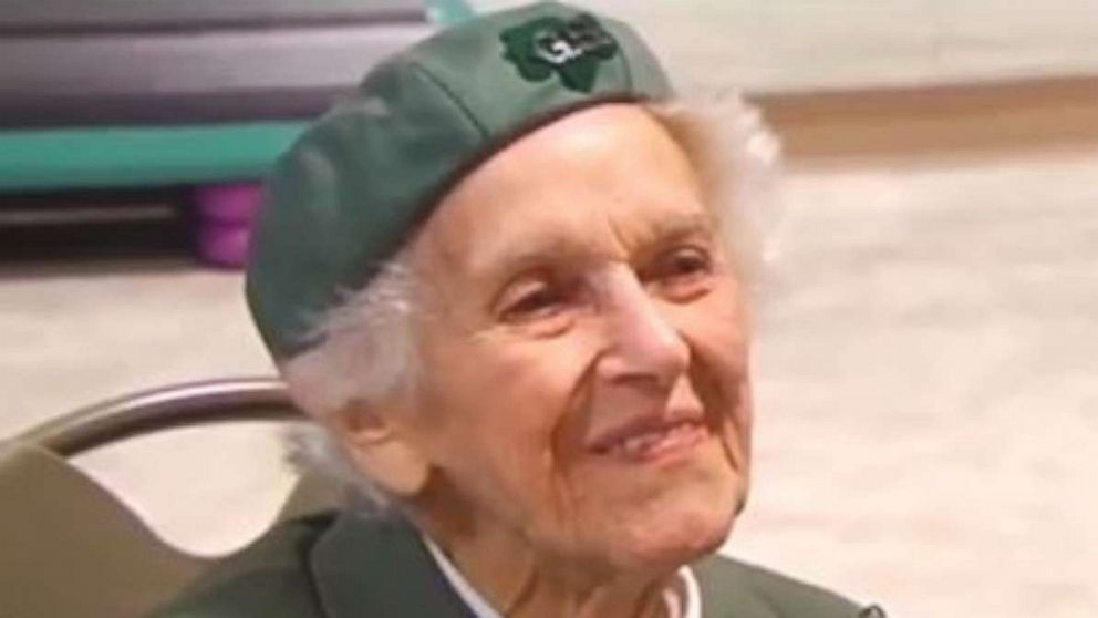 98-year-old has been selling Girl Scout Cookies since 1932 with no signs of stopping