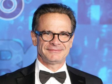 'Bosom Buddies,' 'Newhart' actor Peter Scolari dies at 66
