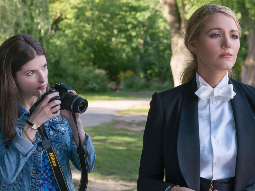 PHOTO: Anna Kendrick and Blake Lively in a scene from A Simple Favor.