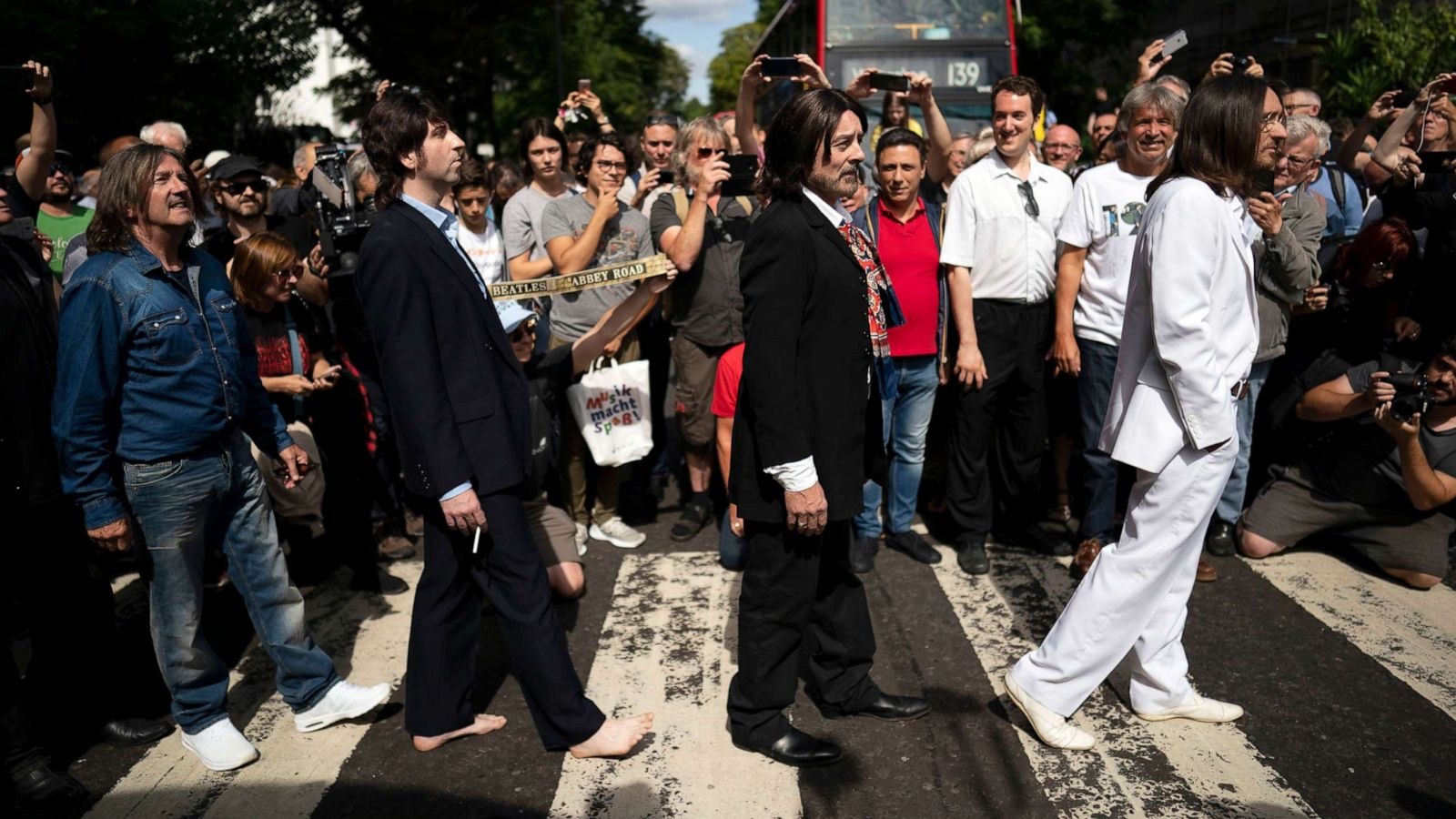 Fans Mark The 50th Anniversary Of The Beatles Abbey Road Photo Shoot Gma