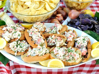 Emerils new england lobster rolls recipe abc news lobster rolls forumfinder Images