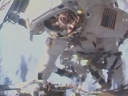 VIDEO: Astronauts Wait Over as Daughter Born Back Home