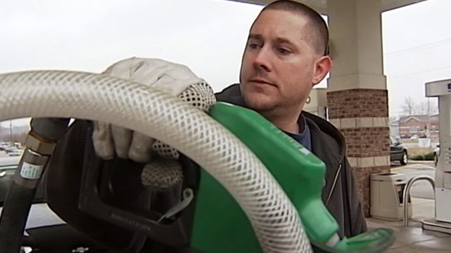 VIDEO: Jim Avila reports on the crazy lengths some Americans go to to save money.
