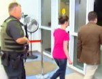 VIDEO: Mother of Caylee Anthony leaves jail with her defense attorney Jose Baez.