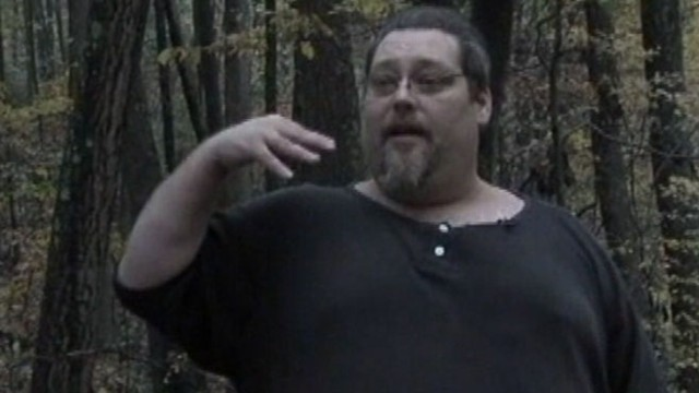 VIDEO: Linsey Davis reviews a man's closed encounter with Sasquatch.