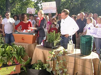 VIDEO: Housing contributor Wendy Bounds explains how to make a garden in a small space.