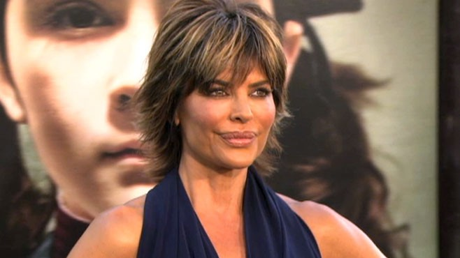 VIDEO: Hollywood stars Lisa Rinna and Dana Delaney regret having had plastic surgery.
