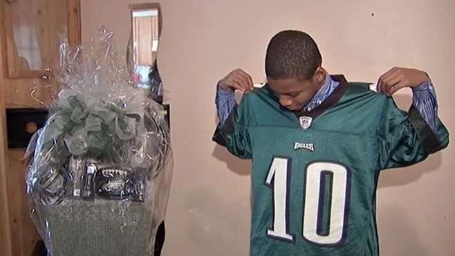 Bullied Teen Meets Philadelphia Eagles' Wide Receiver DeSean ...