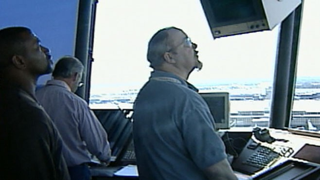 VIDEO: Air Traffic Controller Falls Asleep