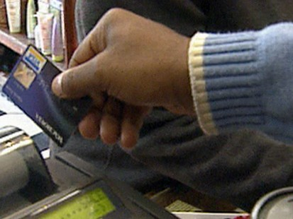 VIDEO: Credit Cards That Help Shopaholics