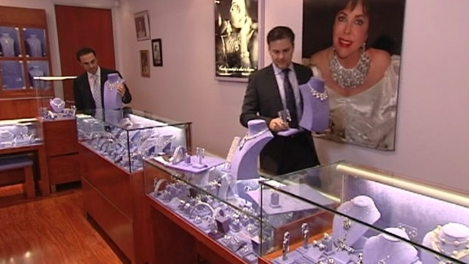 VIDEO: Actress love for luxurious jewelry spawned her own lucrative business venture.