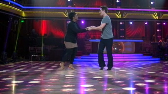 """VIDEO: """"GMA"""" gets backstage access to workouts by Gavin DeGraw, Gladys Knight, others."""