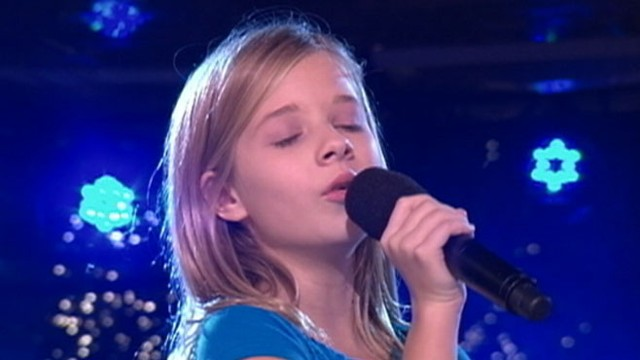 Jackie Evancho: Little Girl, Angelic Voice