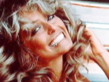 VIDEO: Farrah Fawcett Dies at 62, Succumbs to Cancer