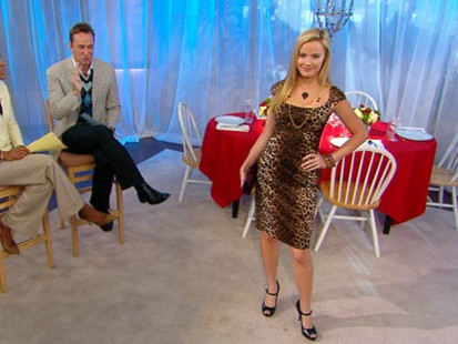 VIDEO: Style experts share tips on putting together the perfect dinner party outfit.