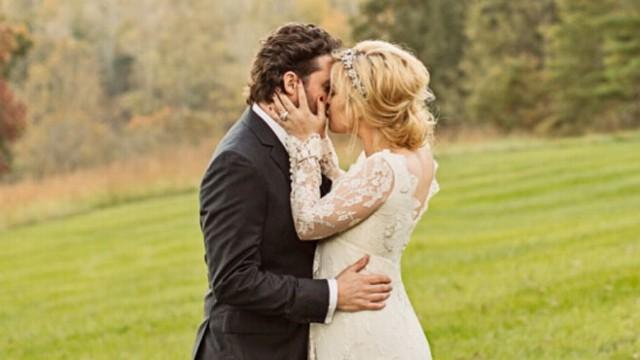 Kelly Clarkson Wedding.Kelly Clarkson Marries Brandon Blackstock Abc News