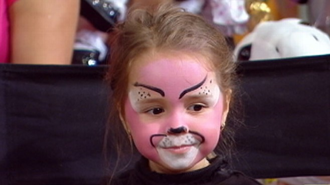 Halloween Makeup Ideas For Kids.Web Extra Halloween Make Up Magic