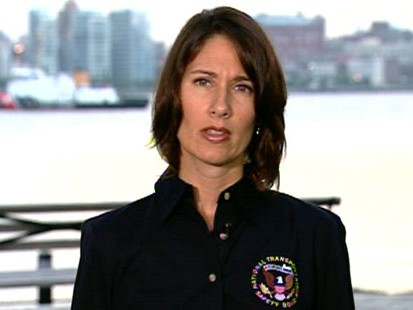 VIDEO: NTSB Chair Deborah Hersman discusses the unregulated Hudson airspace.