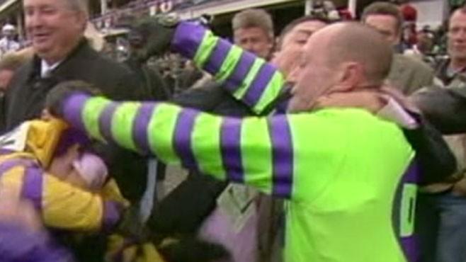 VIDEO: Jockey Fight