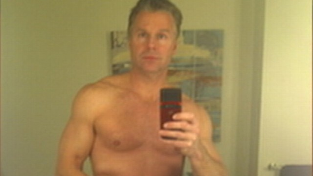 VIDEO: N.Y. Rep. Chris Lee caught sending shirtless photo to a woman via Craigslist.