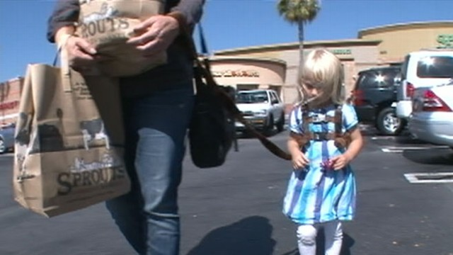 VIDEO: Parents discuss the use of leashes on their toddlers.
