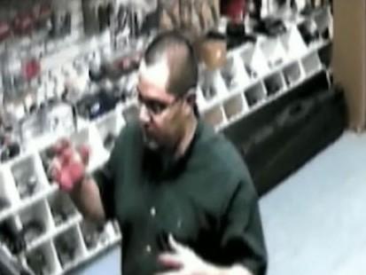 VIDEO: Fla. Police Nab Man in Thanksgiving Killings of 4