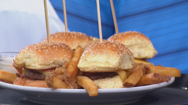 VIDEO: Dave Zinczenko reveals which dishes can result in diet disasters at your favorite chain restaurant.