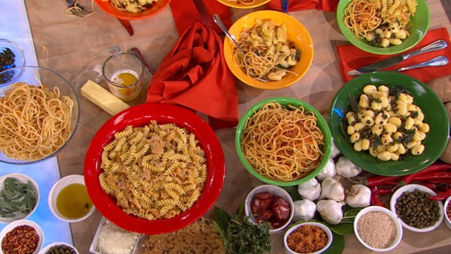 VIDEO: Food and Wine magazine's Gail Simmons prepares various toppings for pasta.
