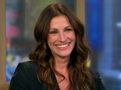 julia roberts star of eat pray love reinvents her 40s abc news