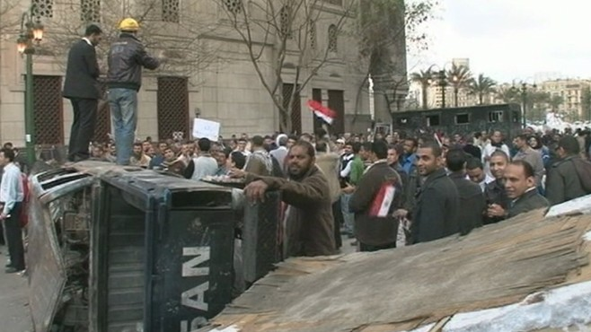 VIDEO: Egyptian military might use force to break up protesters in Tahrir Square.