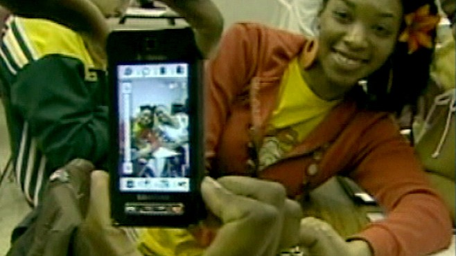 """VIDEO: """"GMA"""" helps parents determine the right age for kids to get cell phones."""