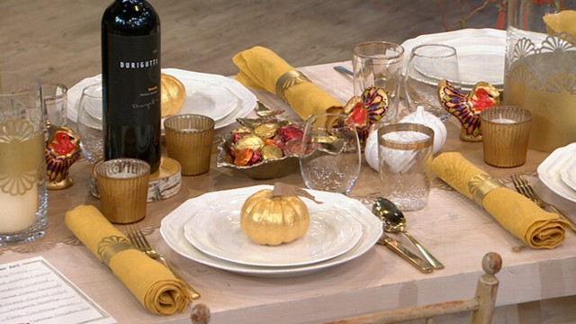 thanksgiving dinner table settings on a budget video abc news. Black Bedroom Furniture Sets. Home Design Ideas