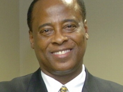 VIDEO: Dr. Conrad Murray is accused of halting CPR and delaying 911 call to hide drugs.