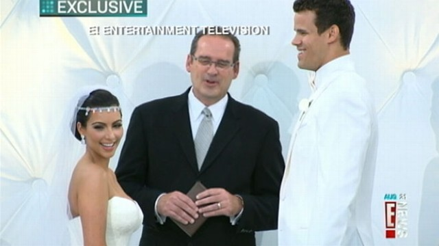 VIDEO: Guests of Kardashian, Kris Humphries include Lindsay Lohan and Serena Williams.