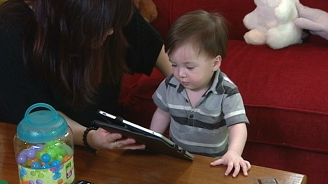 VIDEO: Large number of apps are being targeted toward children of smartphone moms.