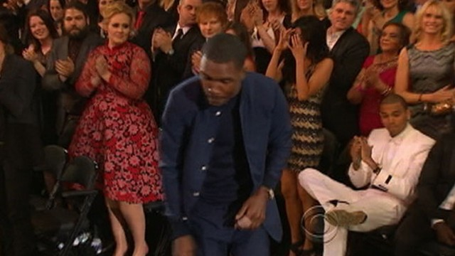 VIDEO: Chris Brown remains seated as Frank Ocean wins Grammy.