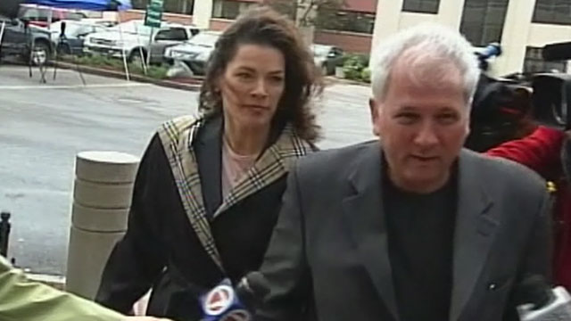 PHOTO:Nancy Kerrigan enters the courtroom with her lawyer, May 17, 2011.