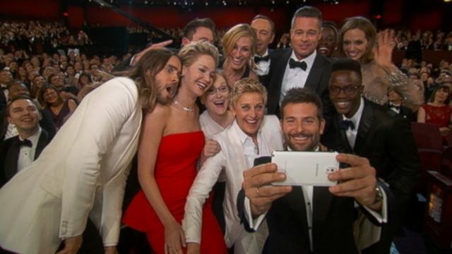 Watch Ellen DeGeneres Plan the Selfie During Oscars Rehearsal