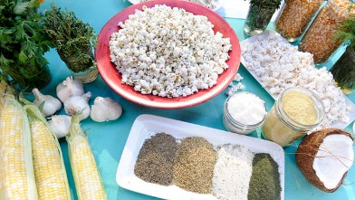 PHOTO: Dig into Daphne Oz's delicious popcorn for a healthy snack.