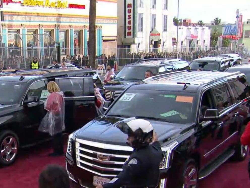 PHOTO: Limousines unload their passengers near the Dolby Theatre in Hollywood, Calif., at the 89th Annual Academy Awards on Feb. 26, 2017.