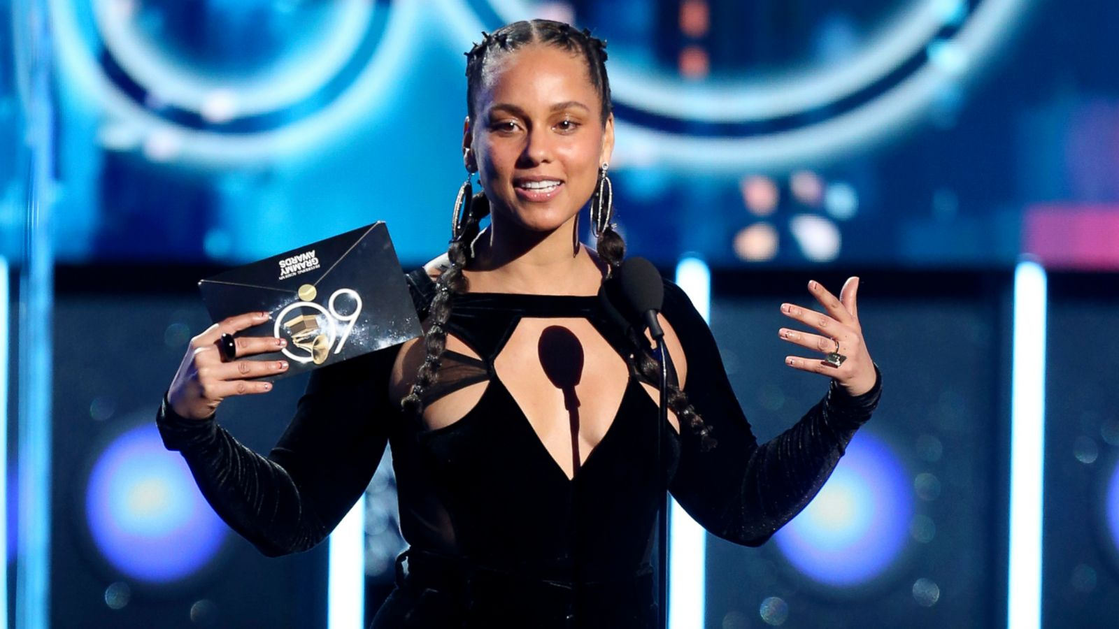 Alicia Keys shares sons' hilarious reactions to her Grammy