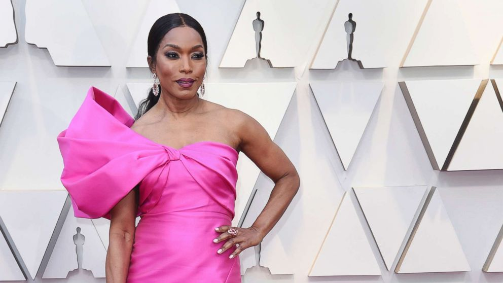 Best fashion from the 2019 Oscars red carpet thumbnail