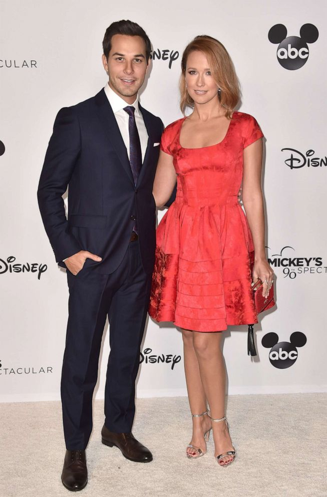 PHOTO: Skylar Astin and Anna Camp attend Mickeys 90th Spectacular at The Shrine Auditorium on October 6, 2018 in Los Angeles, California.