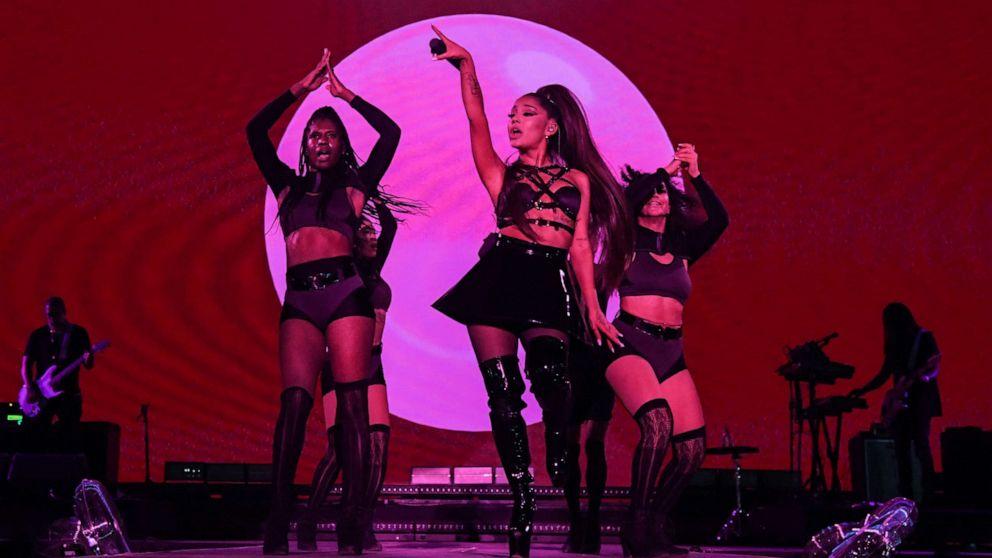 Ariana Grande Thigh Gap Porn