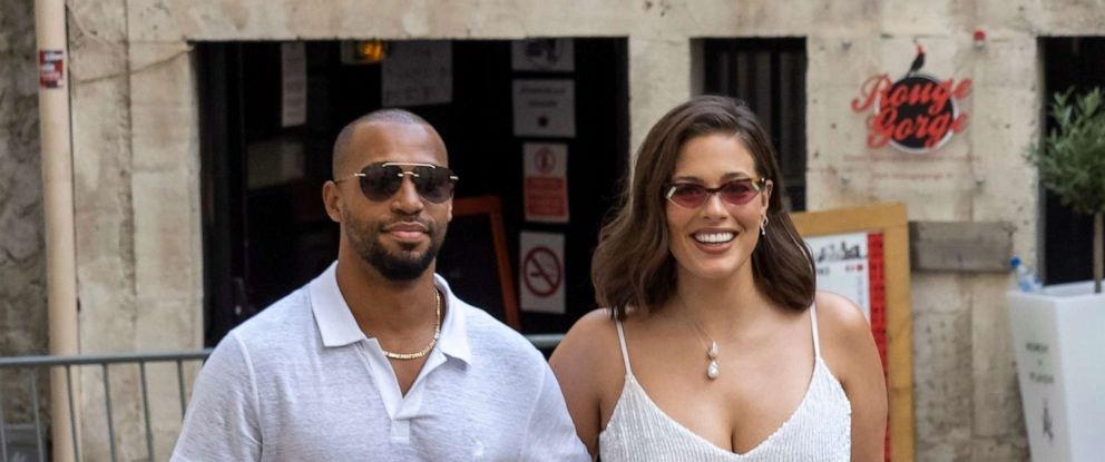 Ashley Graham Wedding.Ashley Graham Announces Pregnancy With Husband Justin Ervin