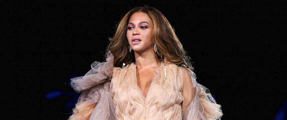 PHOTO: Beyonce performs at Rose Bowl Stadium on Sept. 22, 2018, in Pasadena, Calif.